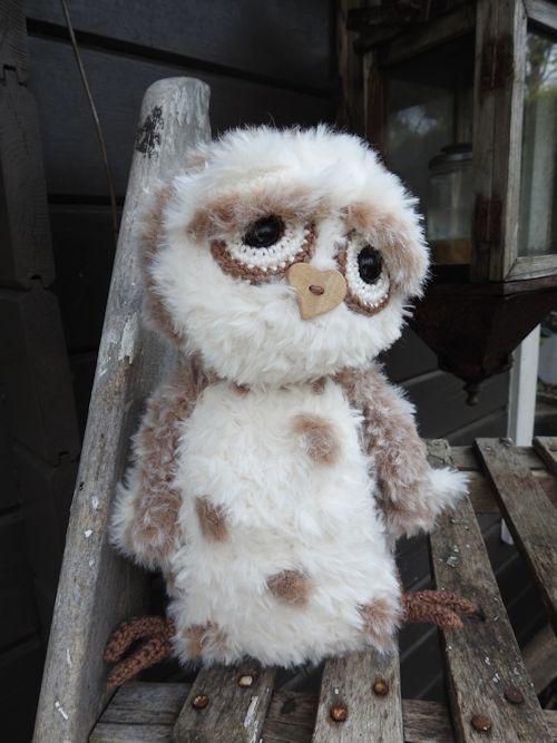 69043-Funny Furry Owl Soft lichtbruin